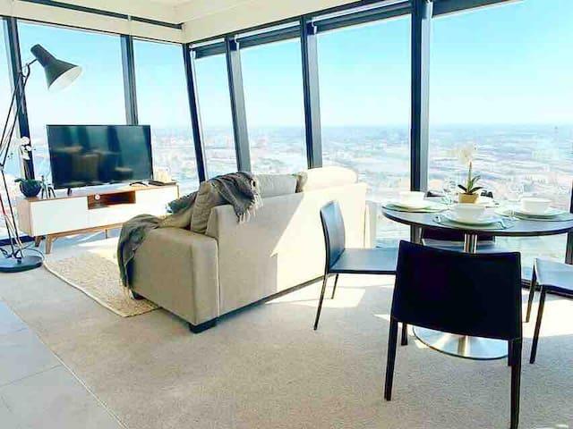 Gorgeous 2BD2BA W/ Amazing WaterViews 5mins->CBD