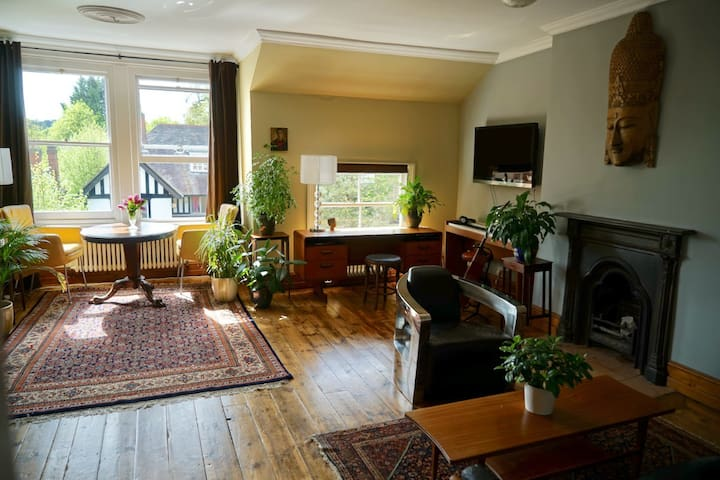 Stunning luxury one bedroom appartment