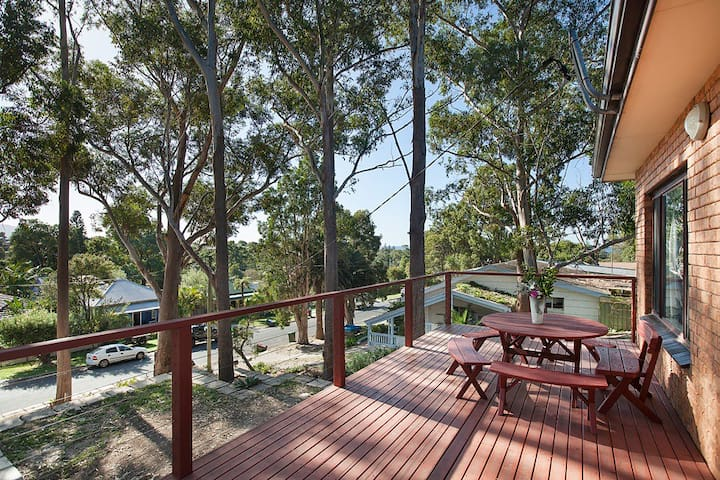THE TREE HOUSE BY SEA - WOONONA BEACH - Woonona