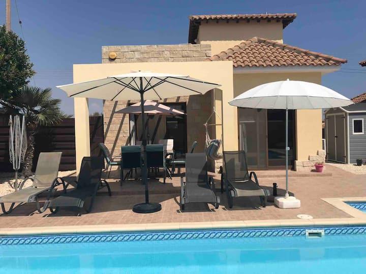 Villa Kallista 2 bed villa with large private pool