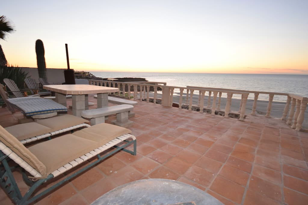 Lounge on Terrace right on the Beach