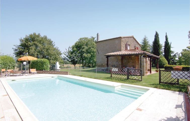 Holiday cottage with 3 bedrooms on 150m² in Pitigliano GR