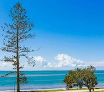 Waterfront Escape - Wynnum - Bed & Breakfast