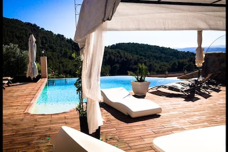 MASIA DE MATUTA - Vall de Almonacid - Bed & Breakfast