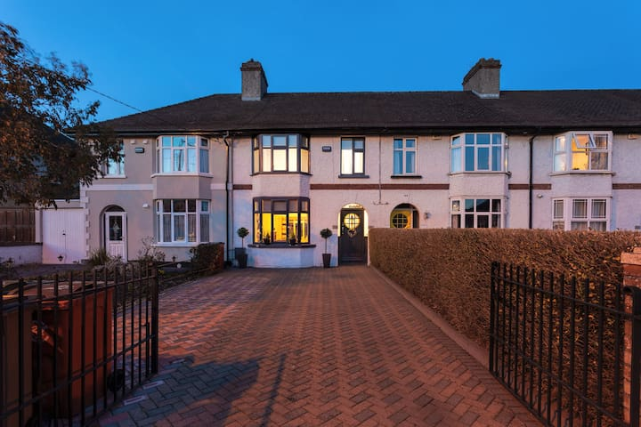Ely-A Superb, Dublin Home rental, with 3 bedrooms