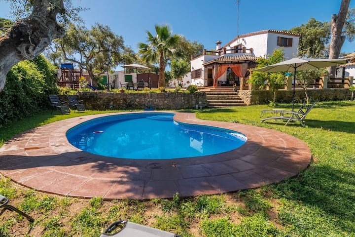 Beautiful Villa with Large Garden, Pool, Jacuzzi, Terraces, Air Conditioning & Wi-Fi; Parking Available, Pets Allowed