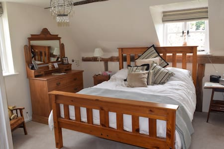 The Rag House Room No1 - Worcestershire