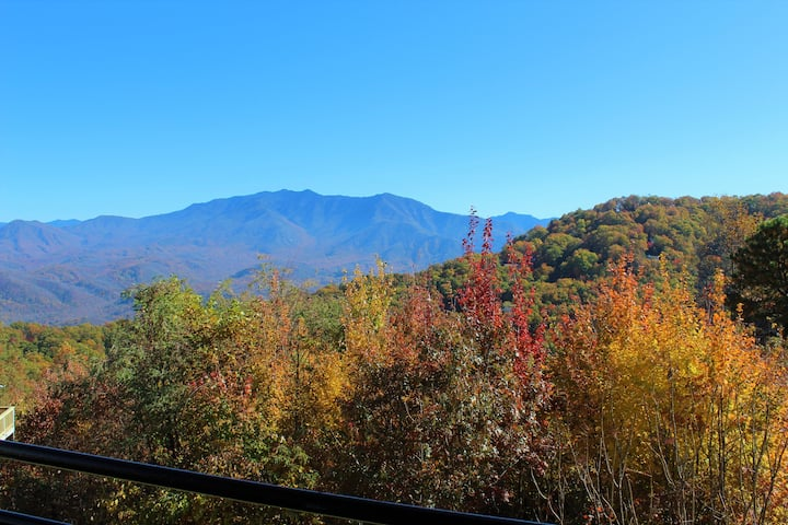 Corner Studio with amazing mountain views