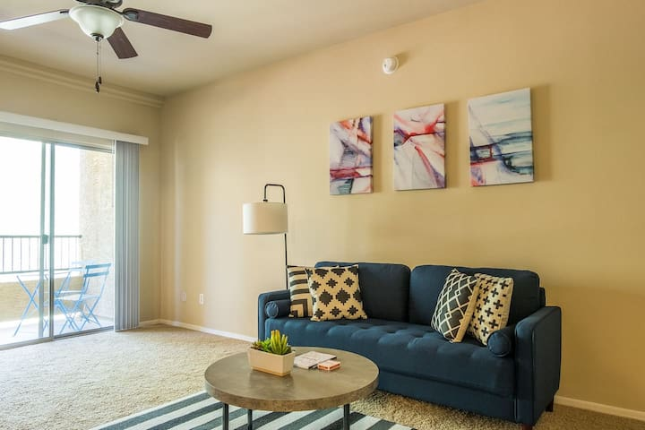 Serene + Spacious 2BR Apt in North Scottsdale