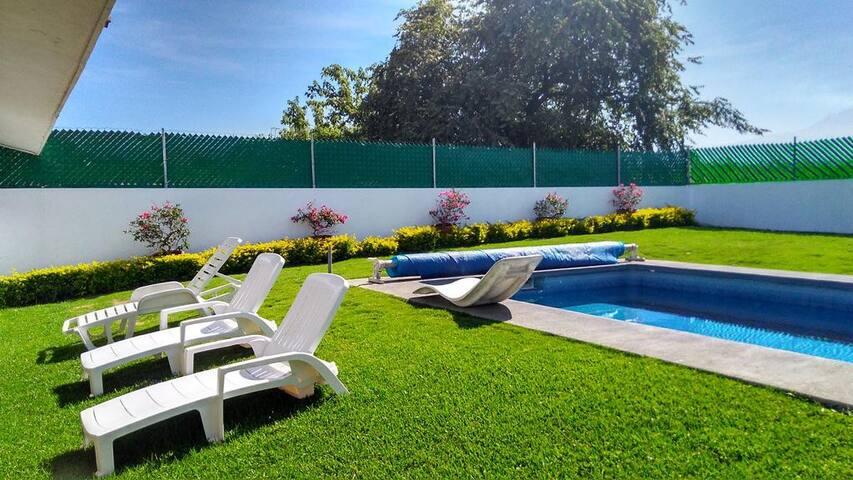 Linda casa de descanso en Fracc Lomas de Cocoyoc