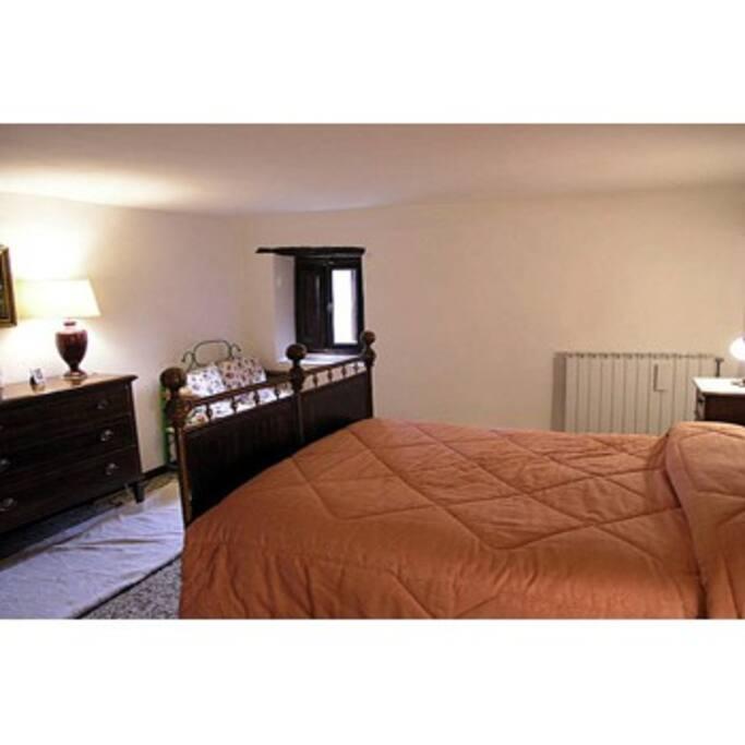 Bedroom : camera matrimoniale disponibile