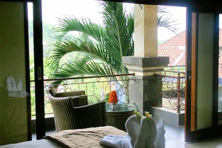 7 Bedoom Villa  + Staff @ Kusamba - Klungkung