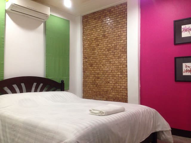 Comfy room@MRT Silom, BTS Saladaeng