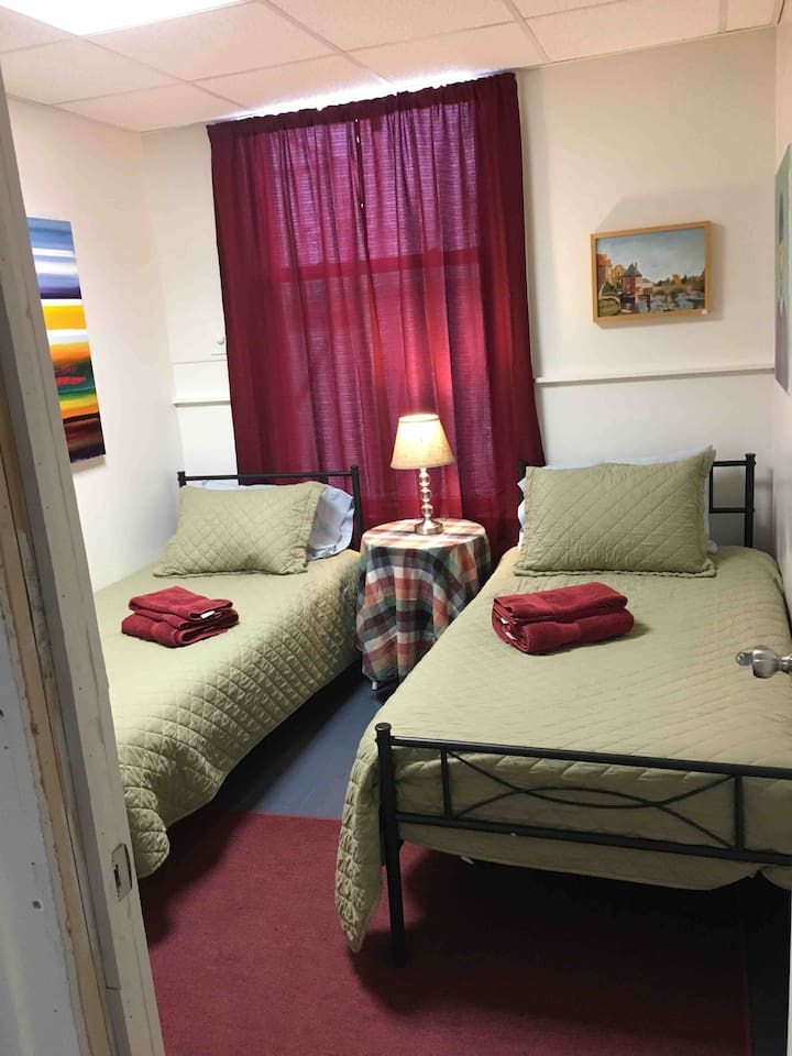 Room 5A with two twin beds