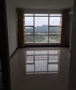 千岛湖镇上的电梯房 - Apartment