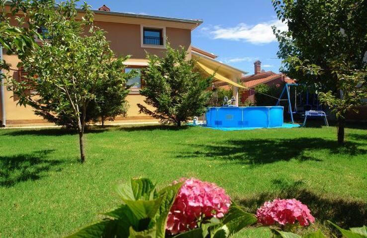 Apartment Anica - Pula - Casa