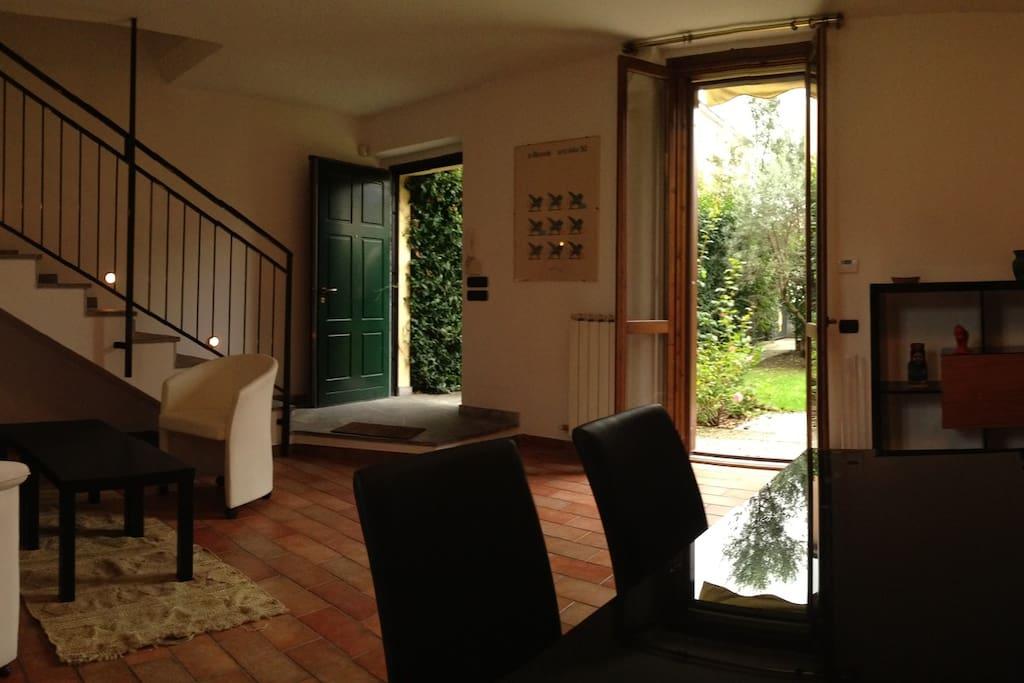 Charmante maison avec jardin maisons louer milan - Maison a louer avec jardin wasquehal dijon ...