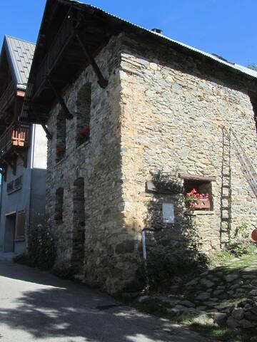 Homely B&B  near Alpe d'Huez - La Garde en Oisans - Bed & Breakfast