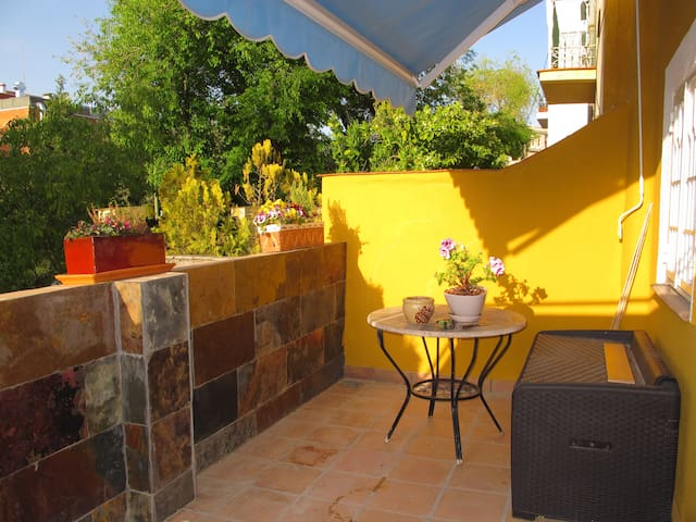 Centrico tranquilo y con terraza - Мадрид - Квартира