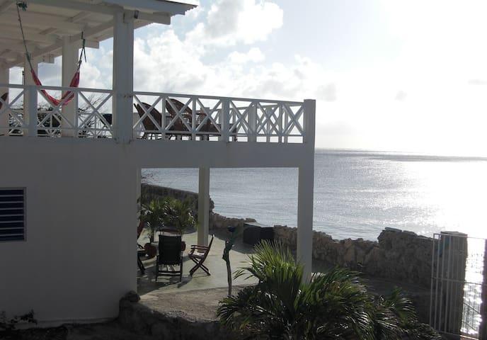 Prachtig appartement direct aan zee - Lagun - Apartment