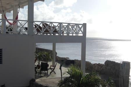 Prachtig appartement direct aan zee - Lagun