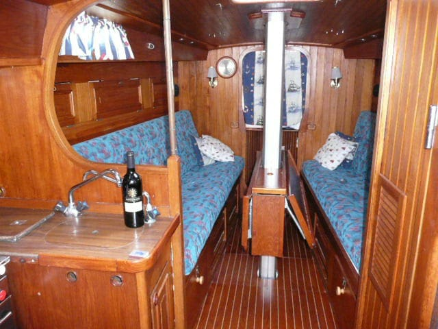Spend the night in a cosy yacht..