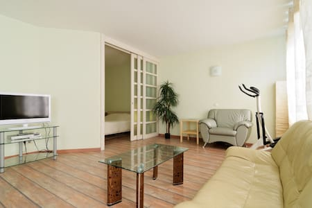 Studio apartment with one bedroom. - Sankt Petersburg