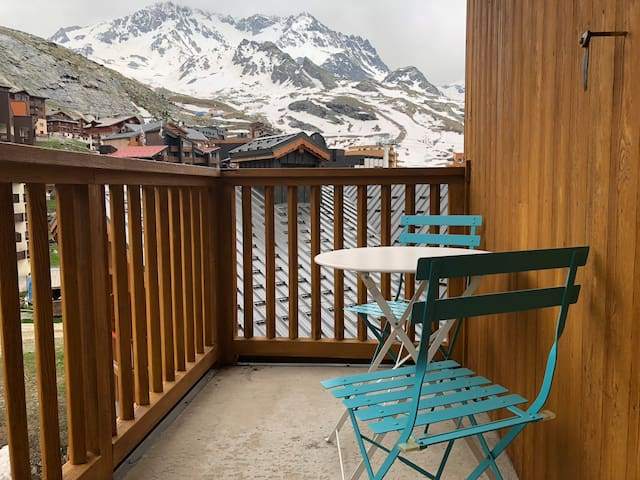 161 Studio balcon centre ski aux pieds plein sud