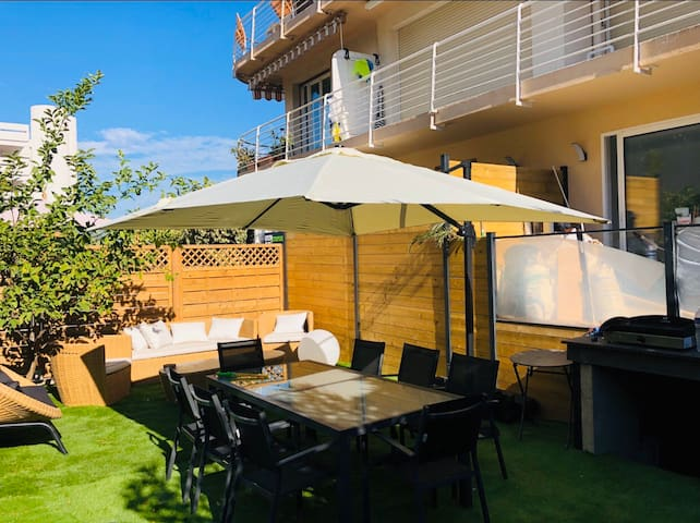 2 Appartements mitoyens 6 couchages 50m plages