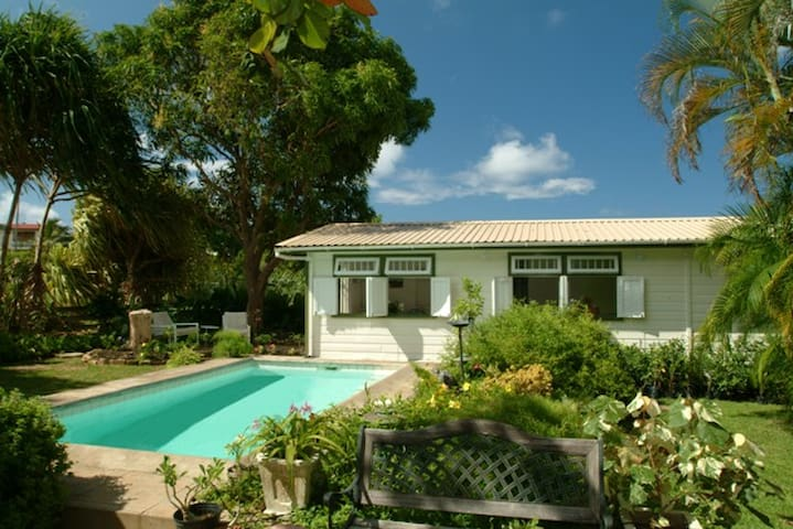 2 One Bedroom Apartments With Pool Apartments For Rent In Oistins Christ Church Barbados