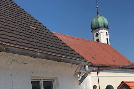 Charmante Altbauwohnung im Herzen Schongaus - Z2