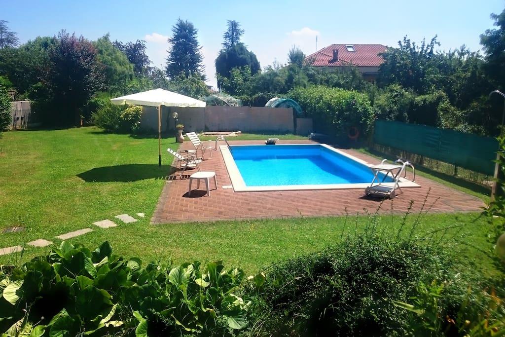 Cam standard b b villa con giardino e piscina - B b con piscina ...