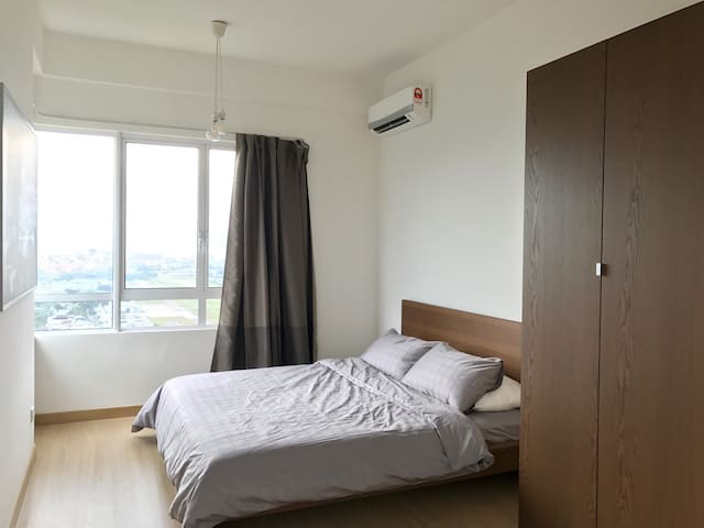 New! 3BR KL view + Wine + Fast Wifi + 1 carpark - クアラルンプール - アパート