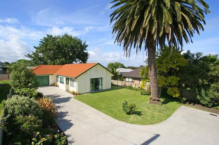 Real gem close to airport - Auckland - Huis