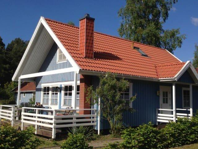 Villa Bunterkunt 2 Boote Kamin - Userin - House