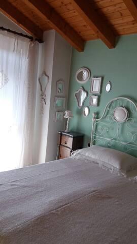 B&b con giardino elegante e spazioso - Travedona-monate - Bed & Breakfast
