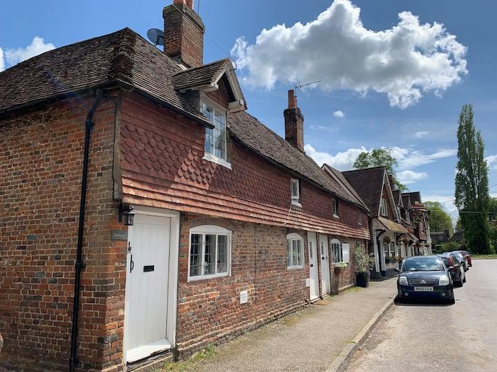 Farthings - genuine Austen charm cottage & garden