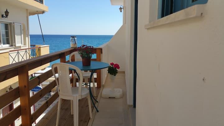 Blue Sea studio at the myrtos beach boulevard