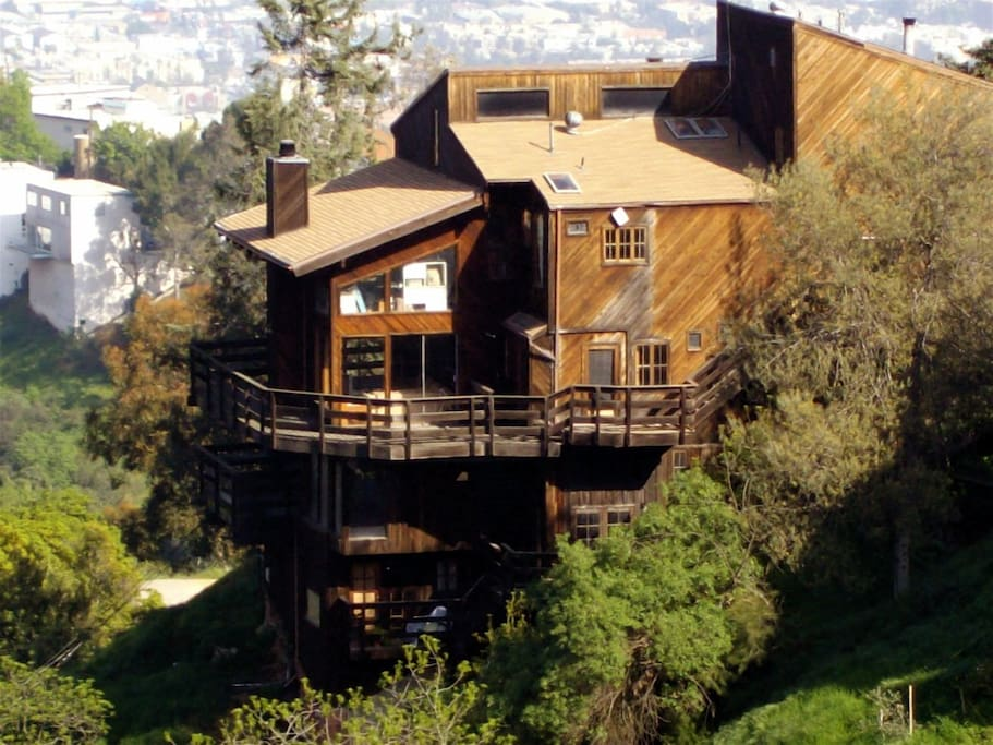 Default further Default also Mel Gibson Puts Family Malibu Mansion Market 14 5 Million besides Apartments Furnished In Los Angeles 7520943 moreover 5135769. on guest houses for rent in los angeles california