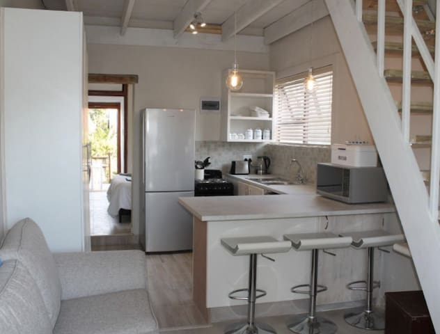 Jenkins Holiday Flat Close to the Beach - Cape Town - Huoneisto