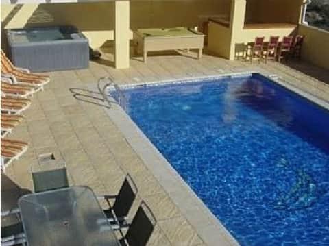 Villa tranquila 10x5 Piscina-jacuzzi-snooker-mini golf