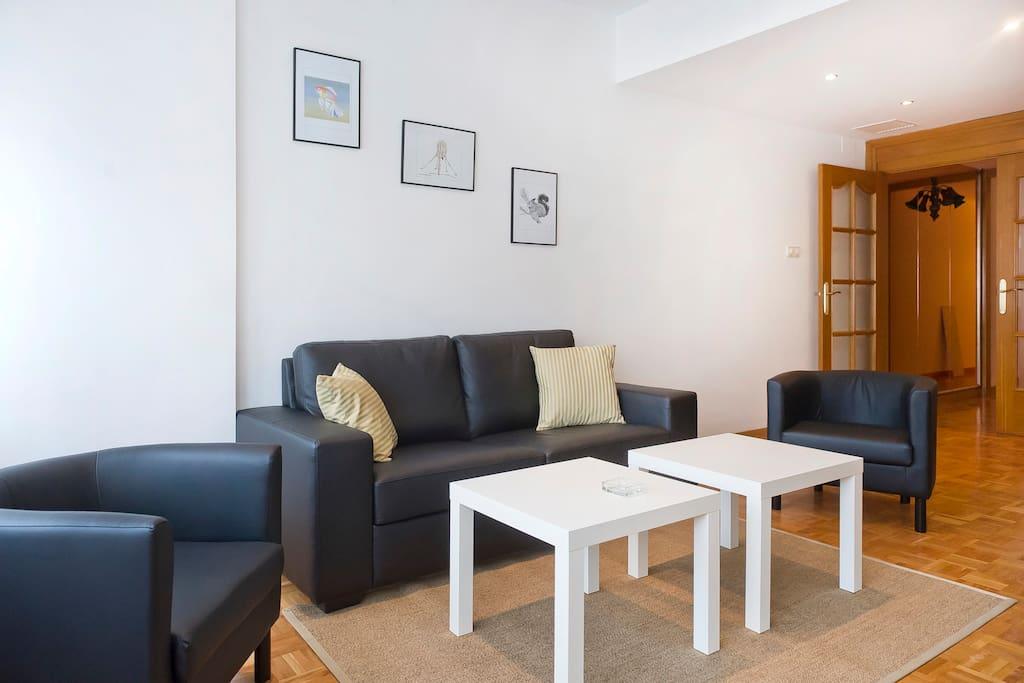 Modern Living Room Sets with Nice black leather sofa