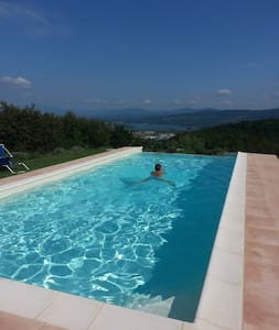 Apartment in the green Tuscany Mugello with pool - Apartamento
