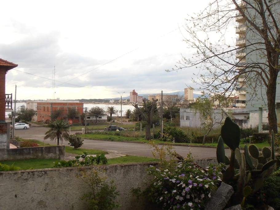 Gran casa historia y vista al mar houses for rent in for Jardin 4 maldonado