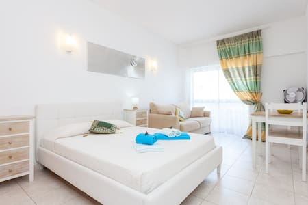 Apartment Lagos T0 with sea view  - ลากอส