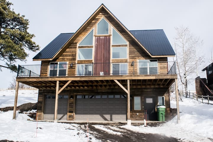 "The ""Worst"" home, Best stay in Pagosa: New Build!"