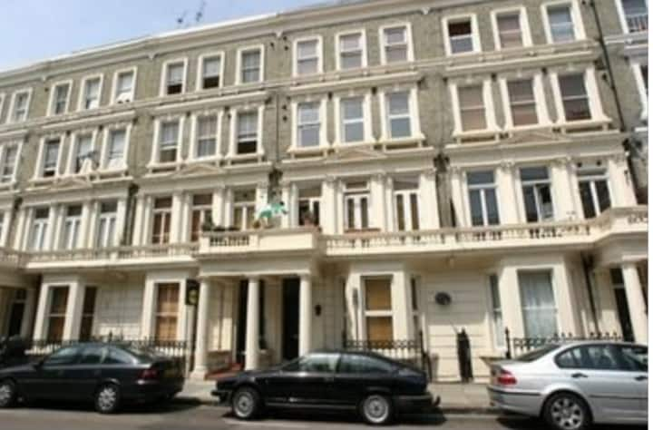 West Kensington 2 bedroom flat