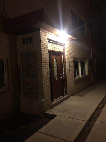Oak Park Residence, 15 mins from Downtown Chicago - Oak Park - Condominio