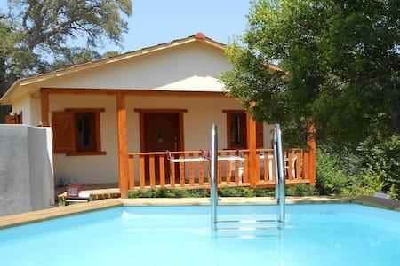 Petite villa, piscine proche plage - Sotta