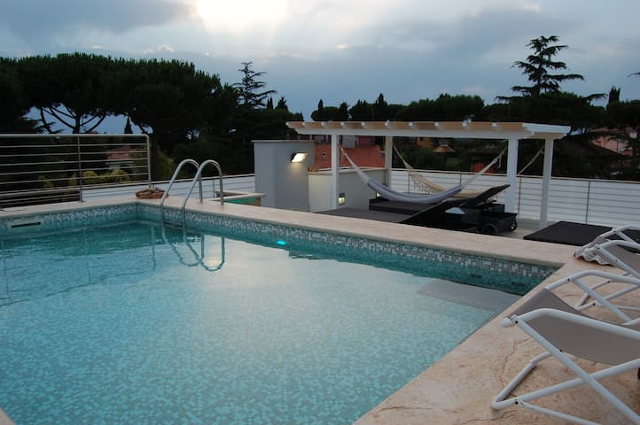 LUXURY PENTHOUSE WITH PRIVATE POOL - ROMA - Talo